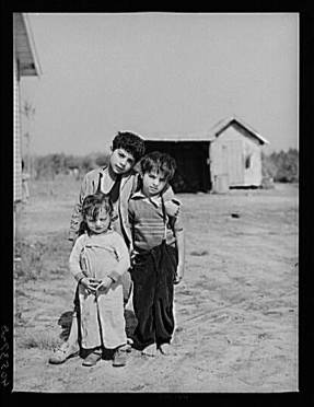 A group of Gypsy children on U.S. 13 five miles south of Salisbury, Maryland